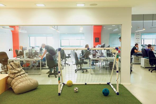משרדי StartApp ישראל, האופן ספייס צפוי להיעלם, צילום: עמית שעל
