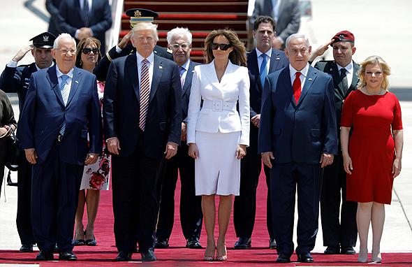 """ראש הממשלה בנימין נתניהו נשיא ארה""""ב דונלד טראמפ ו הנשיא רובי ריבלין  ב נתב""""ג ביקור מאי 2017, צילום: רויטרס"""