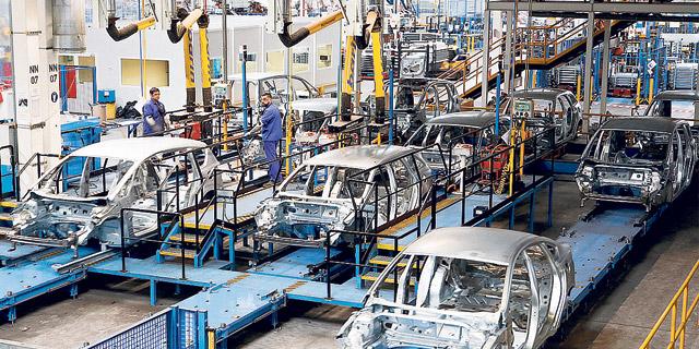 פורד תפטר אלפי עובדים ותצמצם ייצור מכוניות באירופה