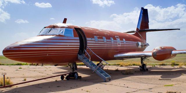 """בשמים עם """"המלך"""": המטוס הפרטי של אלביס פרסלי מוצע למכירה"""
