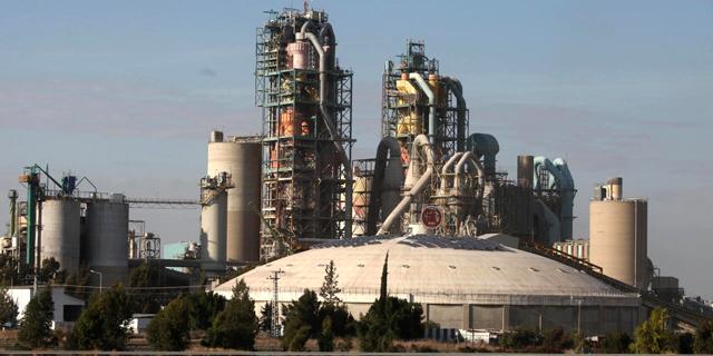 מפעל המלט נשר, צילום: אריאל שרוסטר