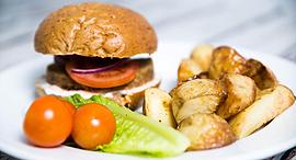 פנאי מנה של לודנס אקספרס אוכל טבעוני המבורגר, צילום: סטודיו אנגי