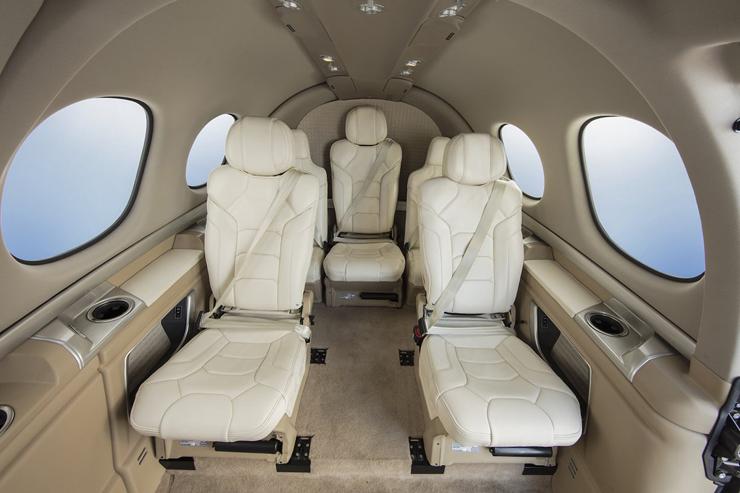 תא הנוסעים. בגובה של 1.2 מטר, צילום: cirrusaircraft