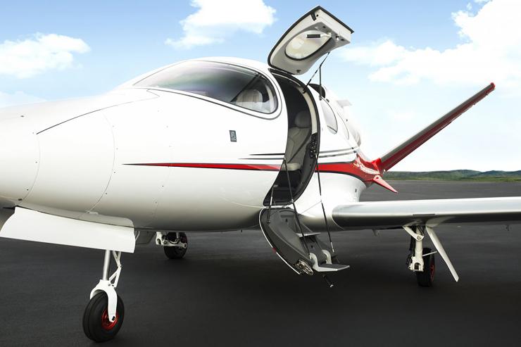 המטוס. יכול להגיע מישראל לבודפשט, צילום: cirrusaircraft