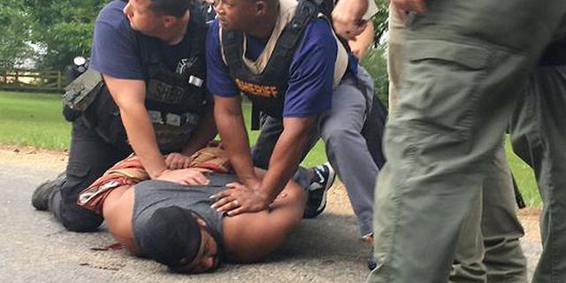 """ארה""""ב: 8 הרוגים במסע ירי במיסיסיפי, היורה נעצר"""