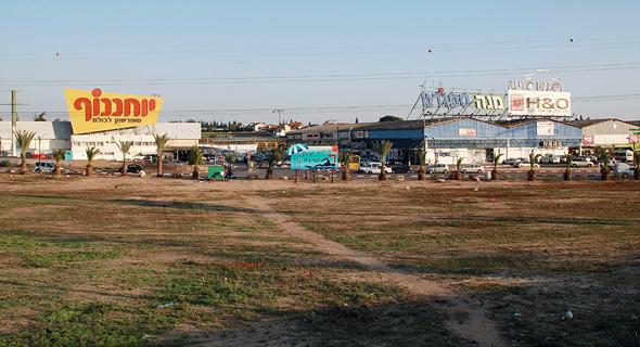 כפר בילו מתחם מסחרי תנופורט של אליעזר פישמן , צילום: בועז אופנהיים