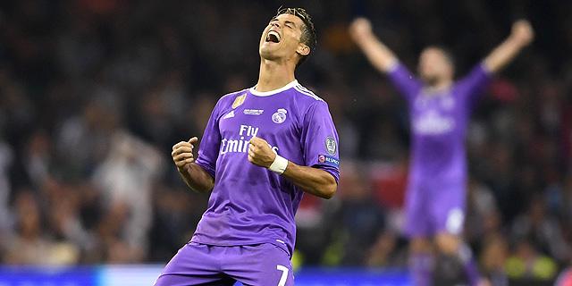 כריסטיאנו רונלדו הוא הכדורגלן הראשון בהיסטוריה בראש טבלת הספורטאים העשירים