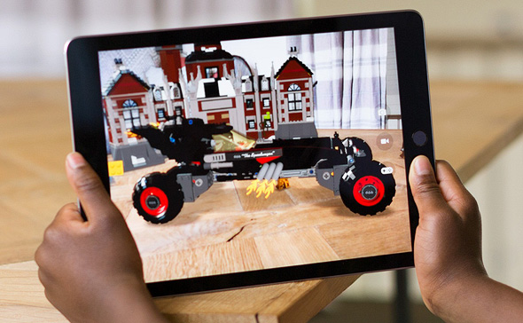 אפל אייפד ios 11 מציאות מוגברת 2, צילום: Apple