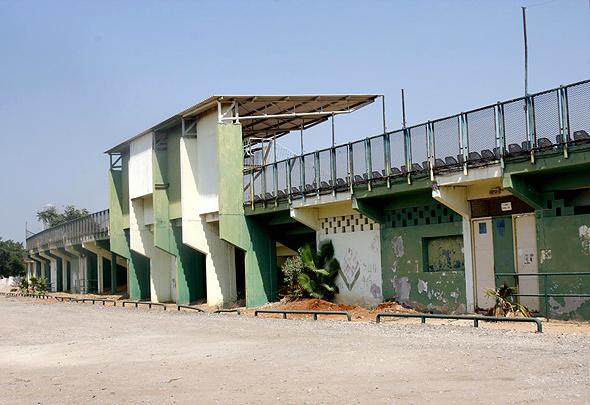 איצטדיון גאון ביפו. גם שיכון ובינוי וגם התושבים מתלוננים שהעיריה לא משתפת אותם בתוכניות