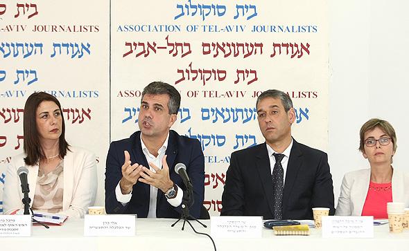 שר הכלכלה אלי כהן מסיבת עיתונאים, צילום: אוראל כהן