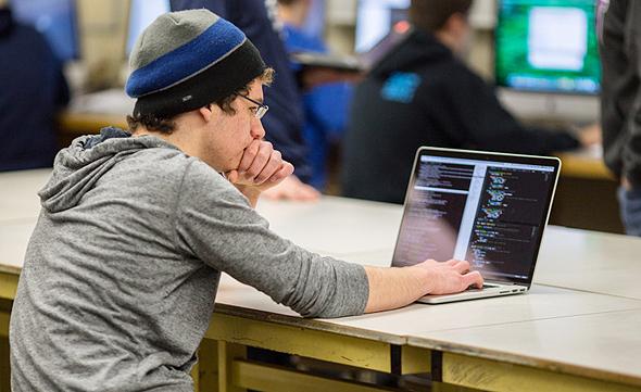 כשמתכנתים עוברים מחברה לחברה הם צריכים להבין כיצד הדרגה שלהם 'מיתרגמת' לחברה החדשה