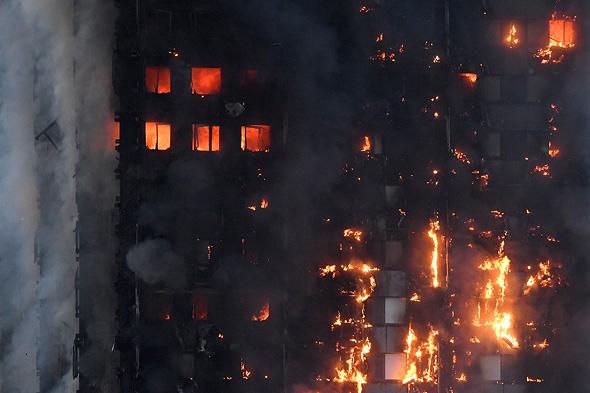 שריפה מגדל לונדון אנגליה, צילום: רויטרס