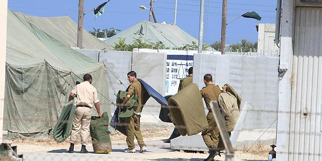 חיילים ב בסיס טירונים זיקים ב דרום, צילום: שאול גולן