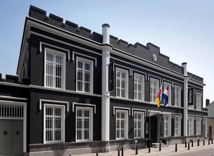 בית הסוהר שהפך למלון Het Arresthuis בעיר רורמונד, צילום: Het Arresthuis