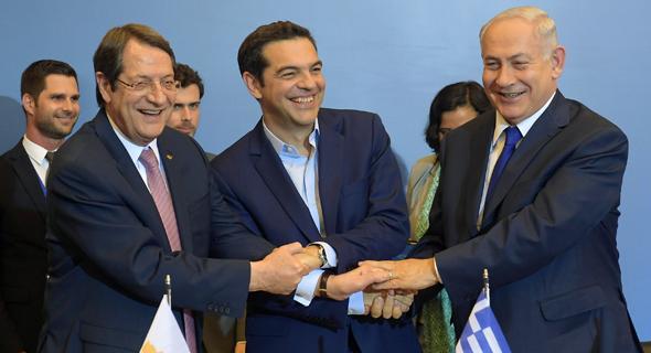 מימין בנימין נתניהו ראש ממשלת יוון אלכסיס ציפראס נשיא קפריסין ניקוס אנסטסיאדס, צילום: עמוס בן גרשום