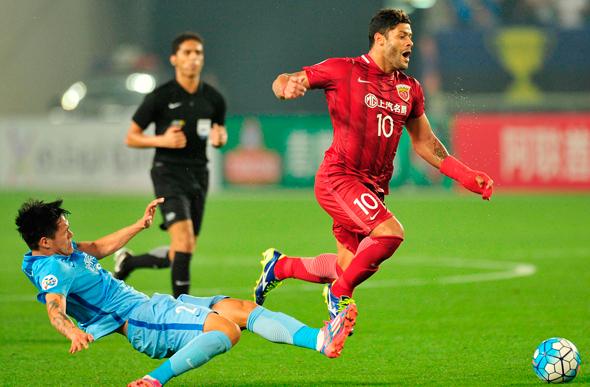 המועדונים הסינים שברו ב-18 החודשים האחרונים מספר פעמים את שיאי ההעברות לשחקנים זרים