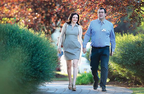 סנדברג עם בעלה המנוח, דייב גולדברג