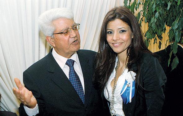 לוי עם אביה בהשבעת הכנסת ה־18, הראשונה שלה (והשנייה שלו מחוץ לכנסת), צילום: אלכס קולומויסקי