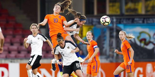 כדורגל נשים: הקבוצות המצליחות ביותר הן אלה עם הכי הרבה שחקניות זרות