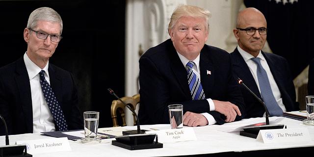 """מנכ""""לי מיקרוסופט ואפל בפגישה עם הנשיא טראמפ, צילום: אם סי טי"""