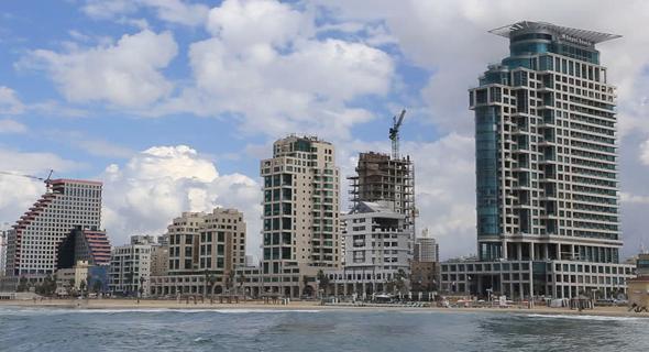 הטיילת בתל אביב. 600 מיליונרים הצטרפו ל-2,000 שכבר רכשו דירה שנייה בתל אביב