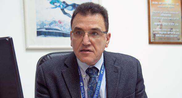 """ד""""ר סלמן זרקא, מנהל מרכז רפואי זיו בצפת"""
