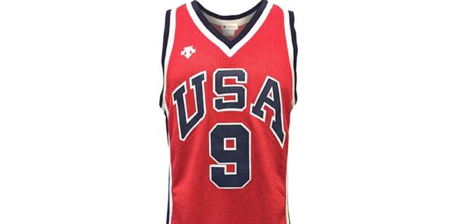 גופייה שלבש מייקל ג'ורדן באולימפיאדה נמכרה במחיר שיא