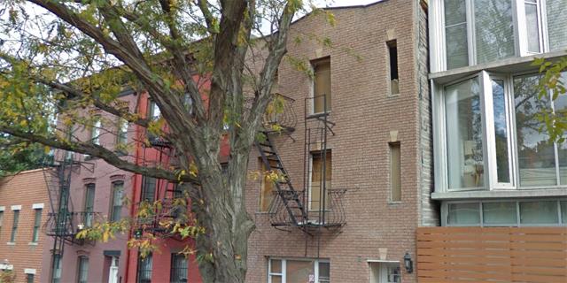 למכירה ממאפיונר: הבית בו התגורר אל קפונה בברוקלין