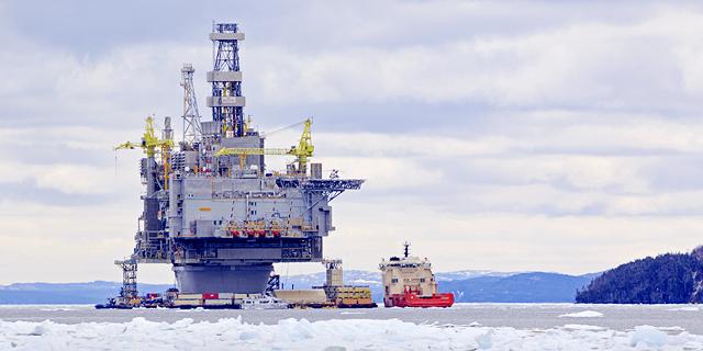 """קידוח נפט בחופי קנדה. """"בפרויקט שאליו נכנסנו בקנדה יש פוטנציאל של מיליארד חביות נפט"""", צילום: שאטרסטוק"""