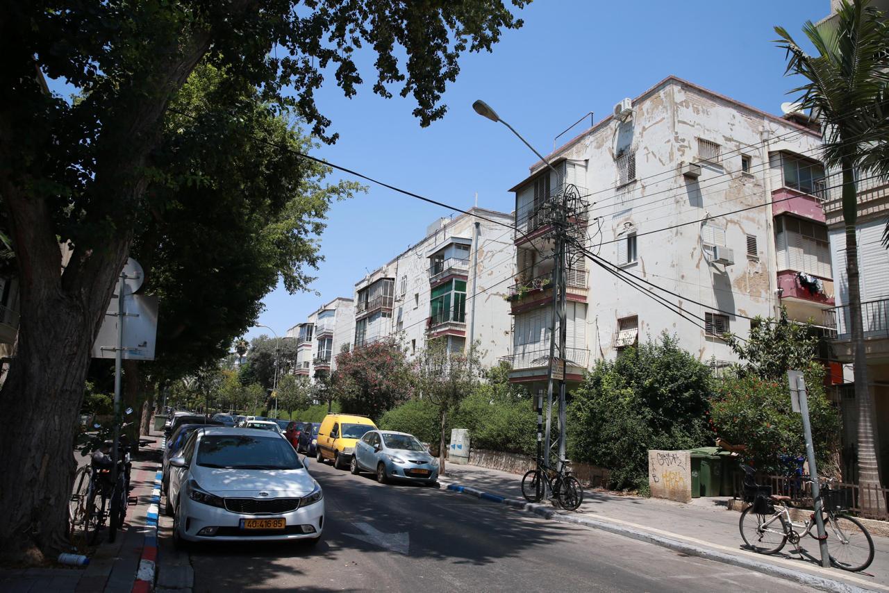 רחוב יהושע בן נון פינת בזל תל אביב, צילום: אוראל כהן