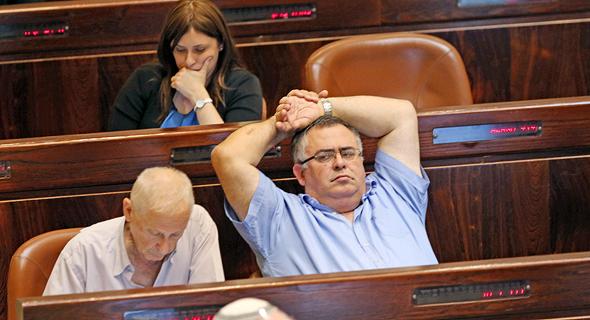 דוד ביטן יור ה קואליציה בזמן נאום ראש הממשלה בנימין נתניהו במליאת הכנסת, צילום: אלכס קולומויסקי
