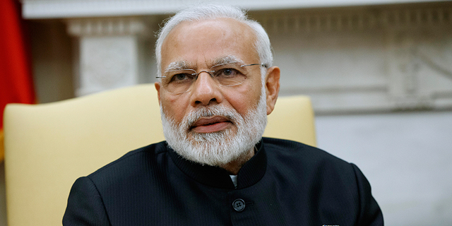 טראמפ ביטל פטור להודו ונענש במכס על שקדים