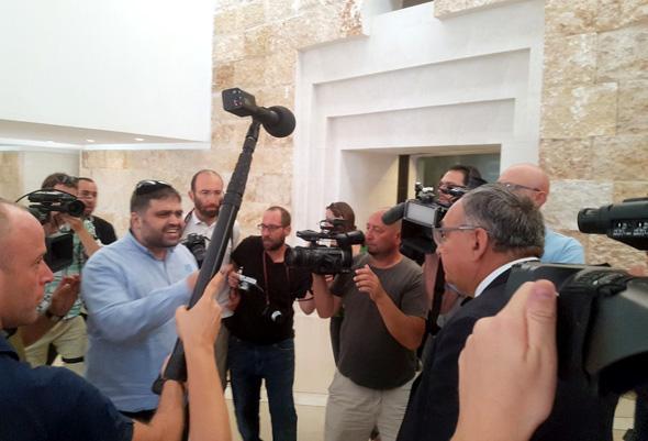 """מחוץ לאולם הדיונים ב בג""""ץ הדסה, צילום: טוויטר"""