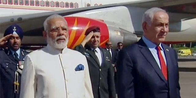 """ראש ממשלת הודו בירך בעברית: """"שלום, שמח להיות פה"""""""