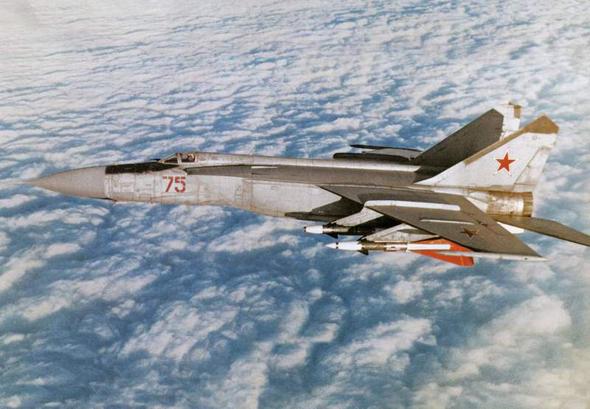 מיג 25 באוויר, צילום: מפינטרסט