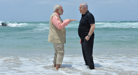 Indian Prime Minister Narendra Modi (left), and Israeli Prime Minister Benjamin Netanyahu (right)
