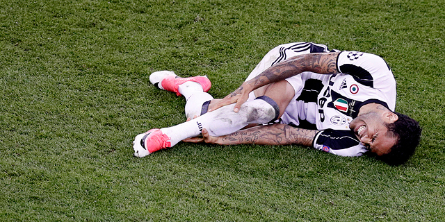 דני אלבס במהלך הגמר נגד ריאל. על הקרשים, צילום: רויטרס