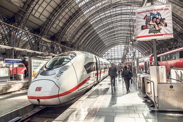 """תחנת רכבת בפרנקפורט. שרוטר: """"אחד הסטארט-אפים שחנו מפתח ברזל קל, שישולב בתוך מערכות קונסטרוקציה קיימות ויחזק אותן, וכך יאפשר בנייה מהירה יותר"""""""