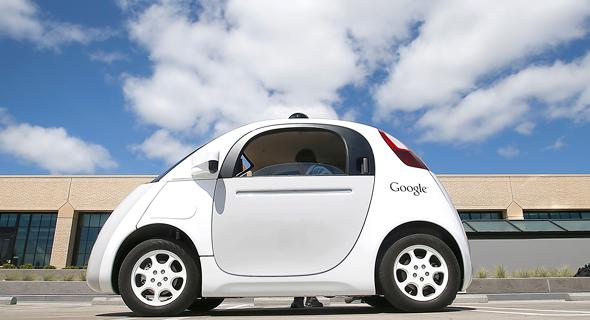"""מכונית אוטונומית של גוגל. """"אנחנו מנסים לגרום לבינה המלאכותית להיות טובה יותר מאיתנו"""""""