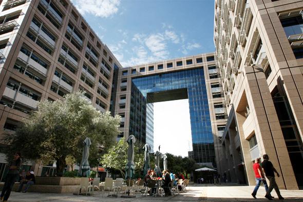 בניין משרדים רמת החייל תל אביב
