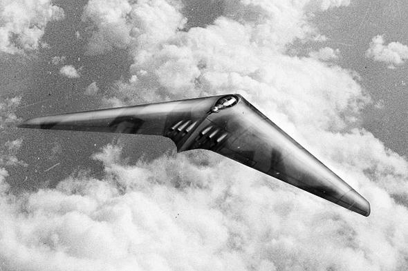 עיצוב קונספט למפציץ ארוך טווח בתצורת כנף מעופפת