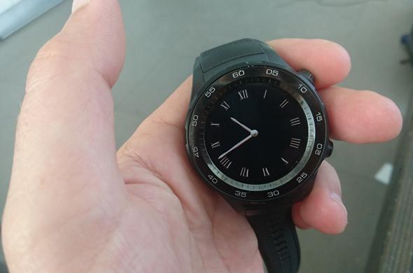 עיצוב אגרסיבי. Huawei Watch 2, צילום: ניצן סדן