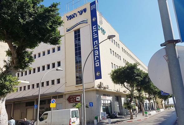"""""""שער הנמל"""" בחיפה. נרכש על ידי מישורים"""