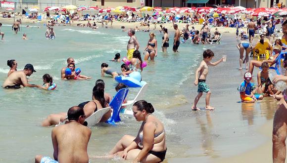 חוף מציצים בתל אביב , צילום: יריב כץ