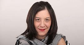 ענת רואה כתבת כלכליסט, צילום:  אוראל כהן