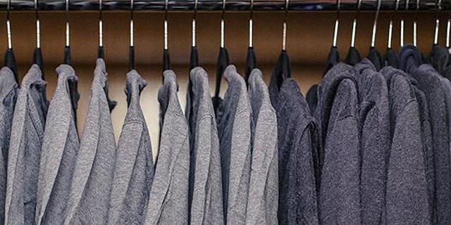 מייסד פייסבוק מרק צוקרברג מעדיף חולצות טי אפורות