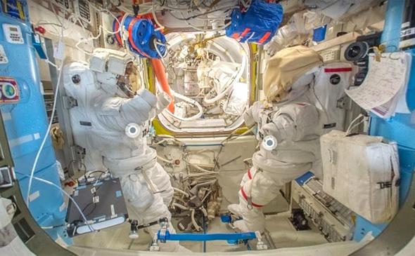 סיור בתחנת החלל, צילום: Google Earth