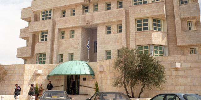 אנשי השגרירות בירדן, כולל המאבטח שירה, שבו לישראל
