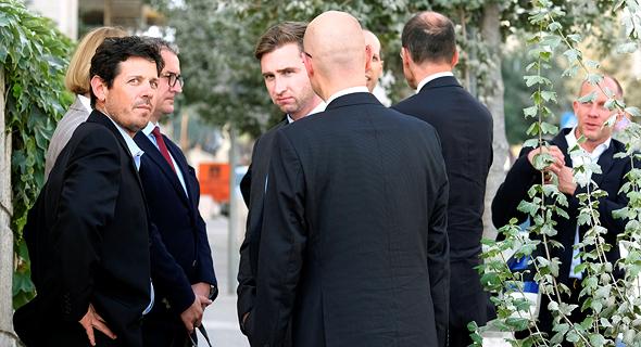 נציגים של טיסנקרופ thyssenkrupp בפגישה במשרד הכלכלה פרשת הצוללות 4, צילום: יואב דודקביץ