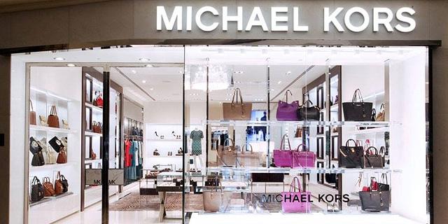 חנות של תיקי מייקל קורס. ירידה במכירות, צילום: cpp-luxury